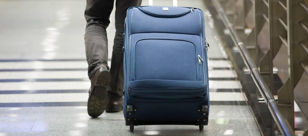 Rolkoffer op vliegveld