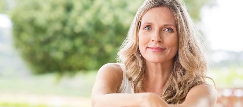 Vrouw met blond haar van ongeveer 40 jaar