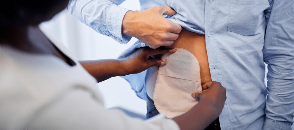 oudere dame in de sportschool